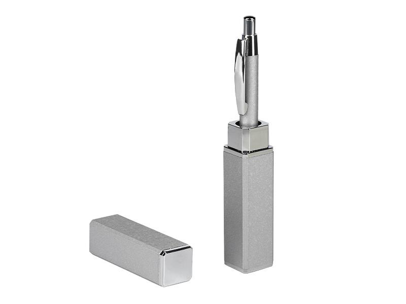 Kugelschreiber aus Metall in einer Geschenkbox